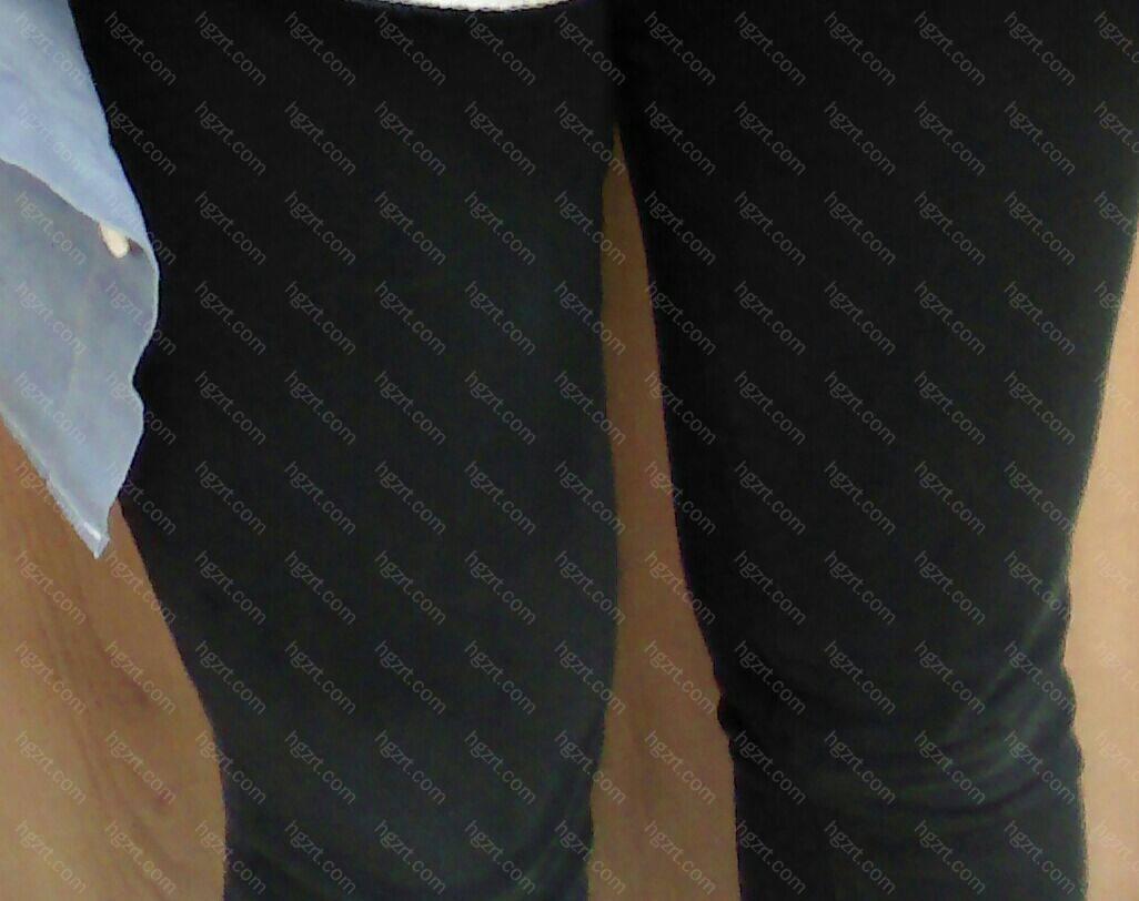 夏天穿热裤,是件了不起的事,为了达到良好的效果拥有好看的腿部线条,就忍一下也没有关系!
