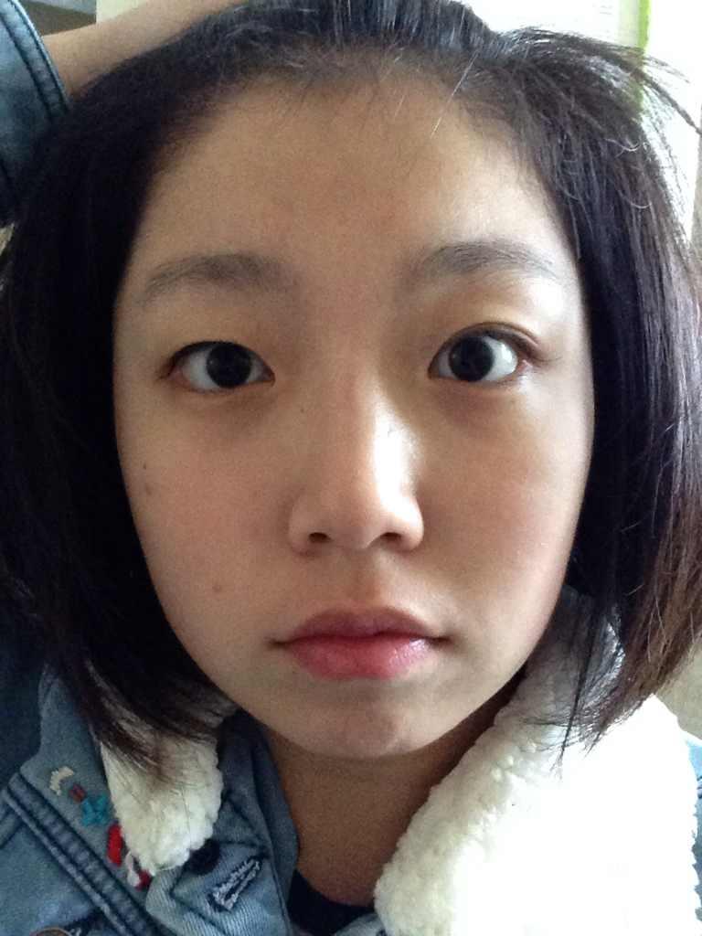 割双眼皮哪种方法比较好,眼睛一边单一边双是比较尴尬的事情,肿么办呢。