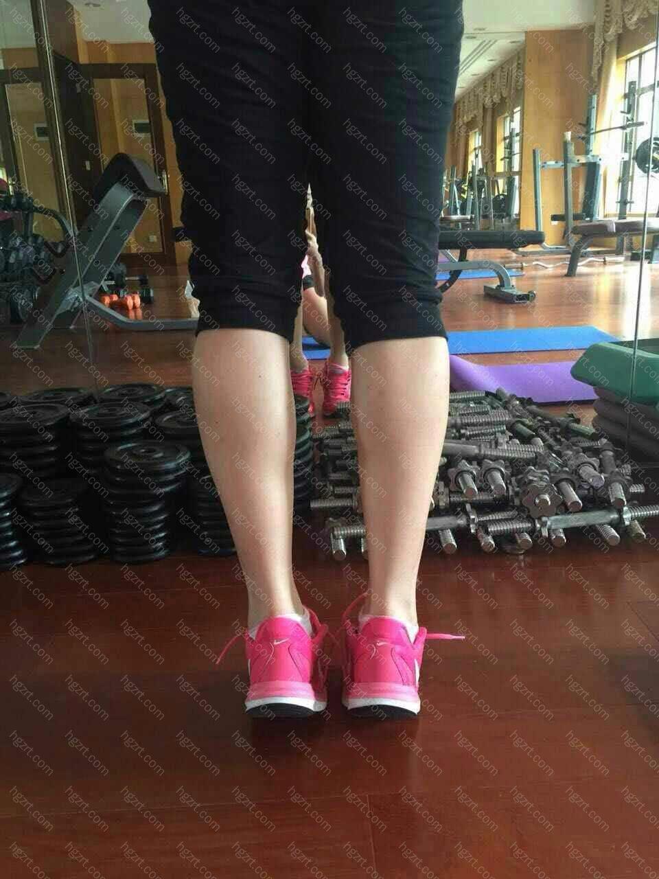 现在十天过去了,来看看变化,上图~ 相比之前,腿肚子全部消除了,而且看起来我的腿变得又长又直