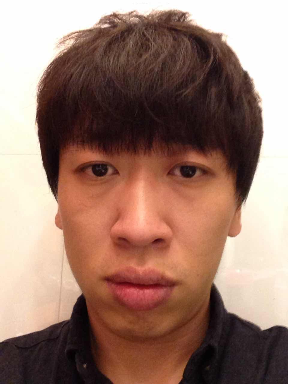 男人嘴唇厚能变薄吗,大家说说怎么整好看,能够年轻一点