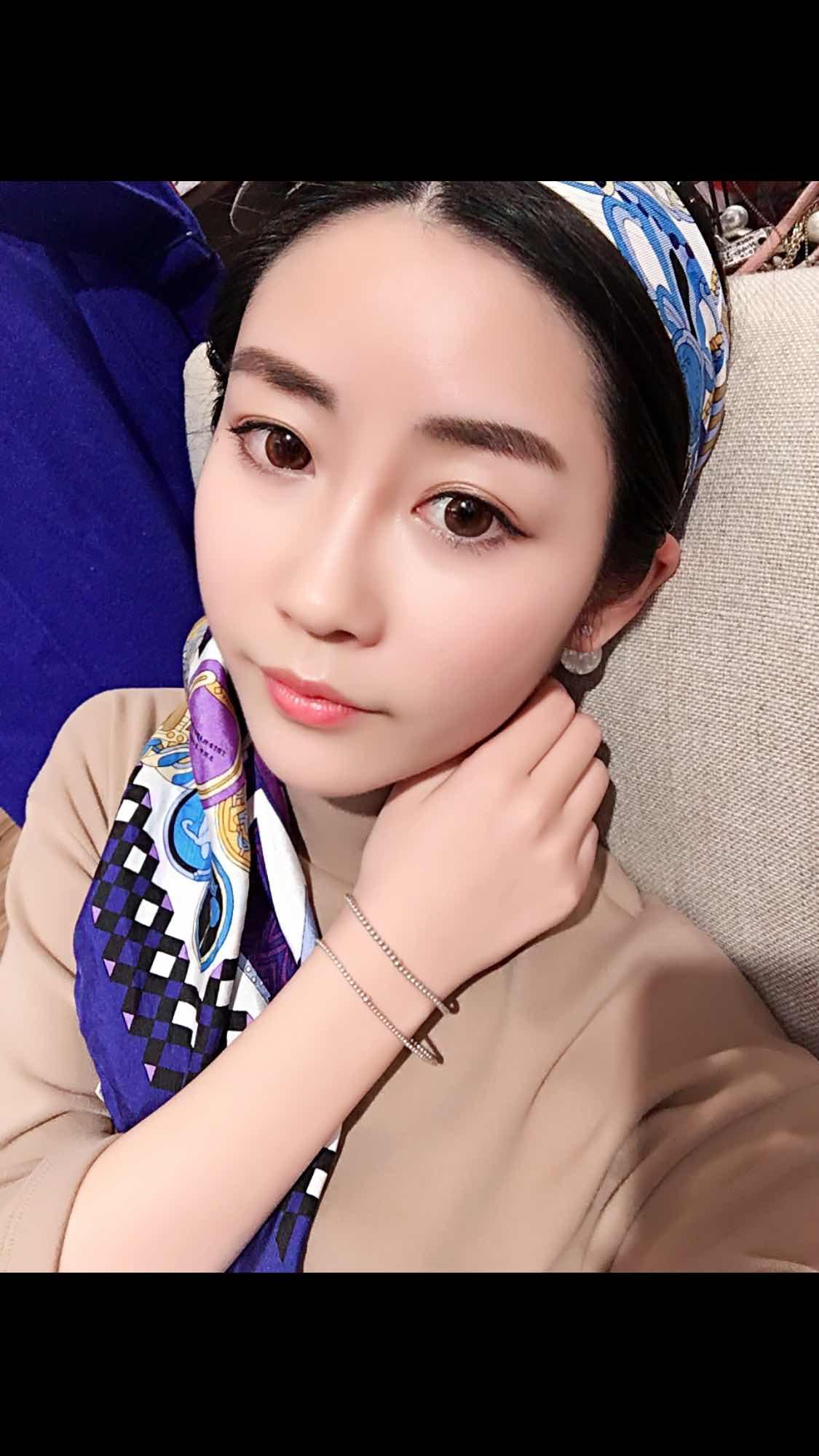 韩国面部提升手术价格,现在天天研究化妆。。每次照镜子的时候都觉得这次去韩国是正确的。。而且还旅了游
