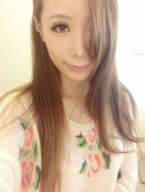想割双眼皮,选埋线?韩式?全切?化妆之后的差异太大了,想素颜也很美。