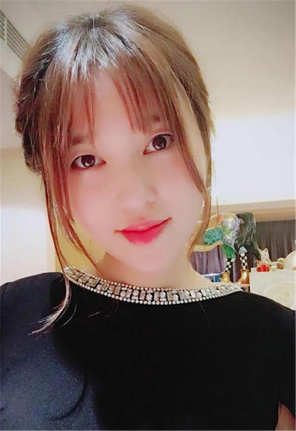 金莎承认整容 称去韩国做了个单眼皮 整容撞出娱乐圈