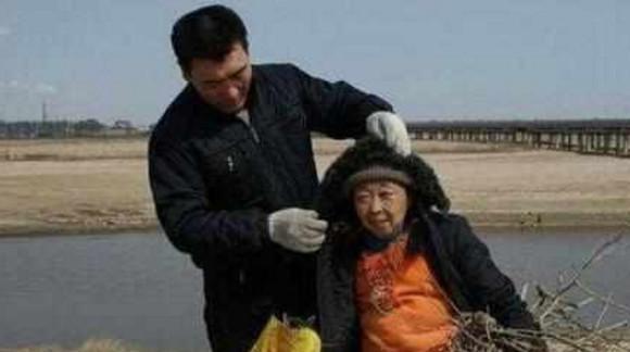 他39岁不顾反对娶71岁老奶奶 妻子整容后大变样