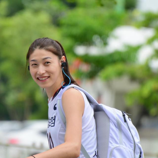 韩女排金延璟狂言自己比惠若琪漂亮,中日网友:整容整出优越感了