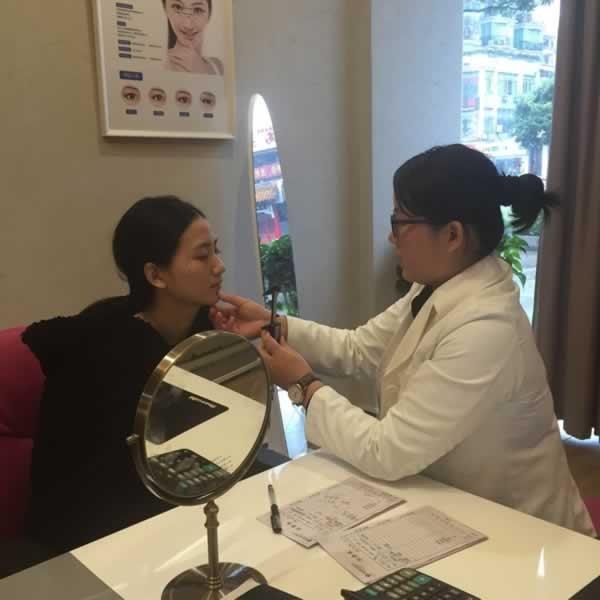 福州海峡美容医院瘦脸针+丰下巴简直专治各种不完美!