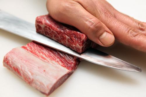 """想体会牛肉带来的尊贵享受,就在""""中一会馆""""明洞店"""