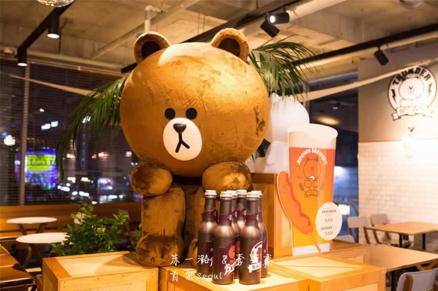 韩国首尔KAKAO FRIENDS STORE,人多到爆,但还是难以抵挡我对kakao的爱。