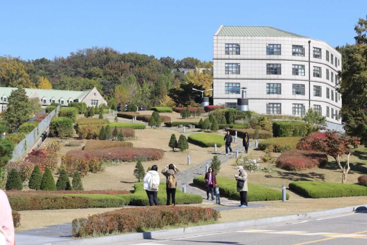 韩国首尔梨花女子大学,四季风景如画梨大风景是出了名的美丽