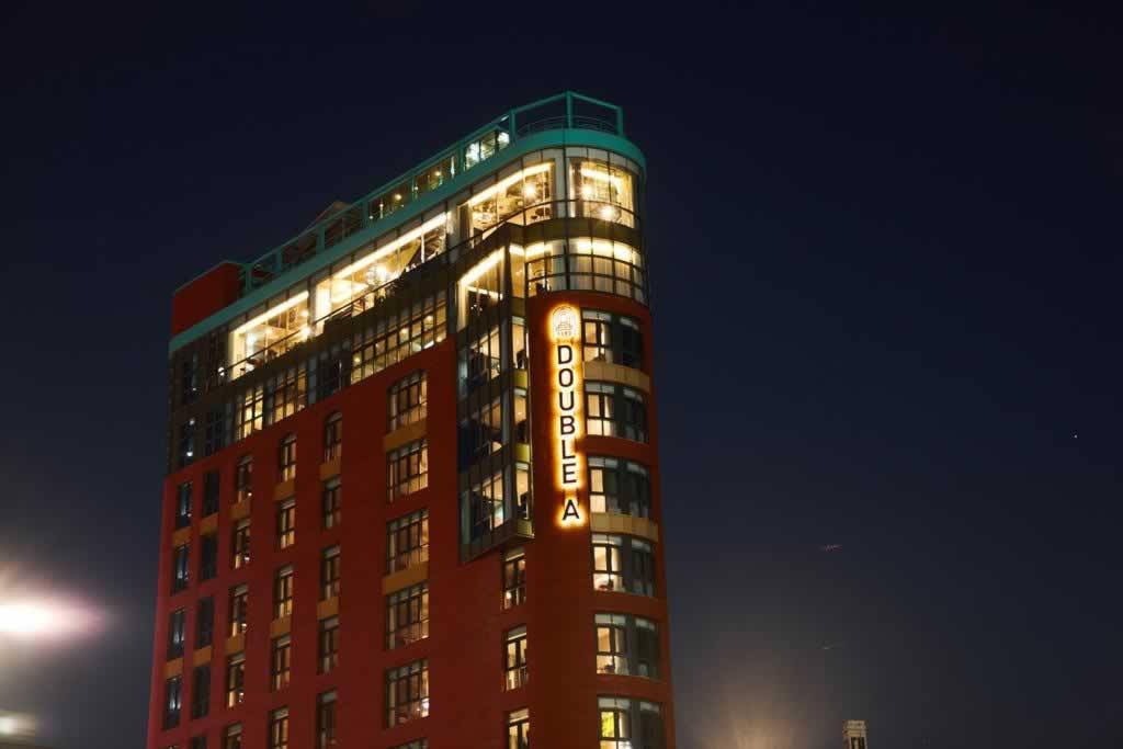 去韩国整形,有没有距离原辰整形医院近的交通方便的酒店?