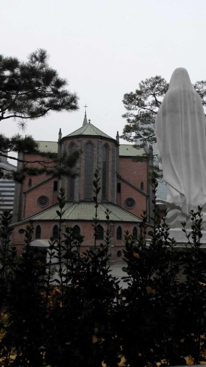韩国首尔明洞天主圣堂,是韩国天主教的中心和明洞的象征。