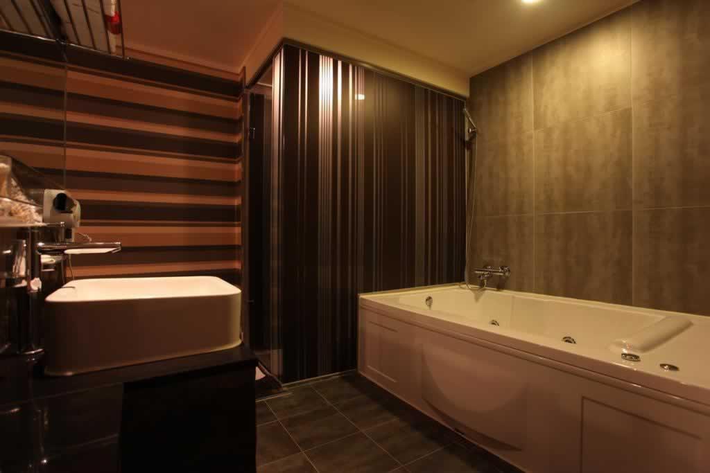 在韩国原辰做过整形的朋友给我推荐个实惠的酒店吧