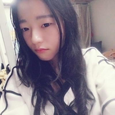 自从在重庆艺星医疗美容医院做了双眼皮后变成校花级别的妹子了