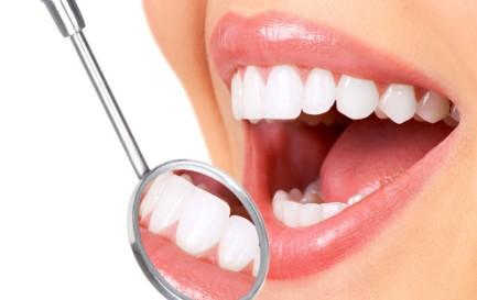 烤瓷牙牙龈发黑能治吗?