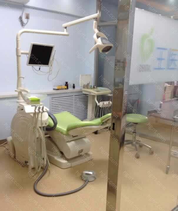 还引进了很多先进的口腔诊疗设施