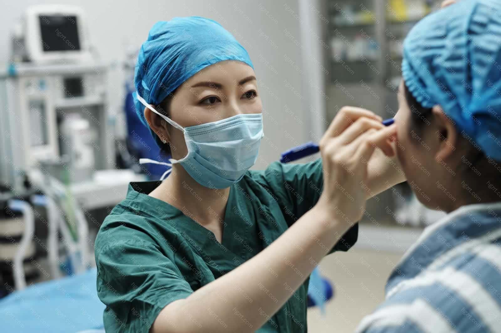 专注于皮肤美容的诊断、治疗、护理