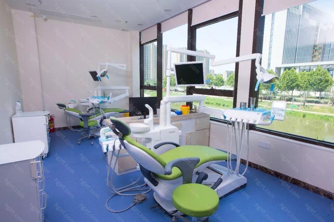 秋香说不喜欢偶评价了:以前去过好多医院都没有治好的牙痛的老毛病