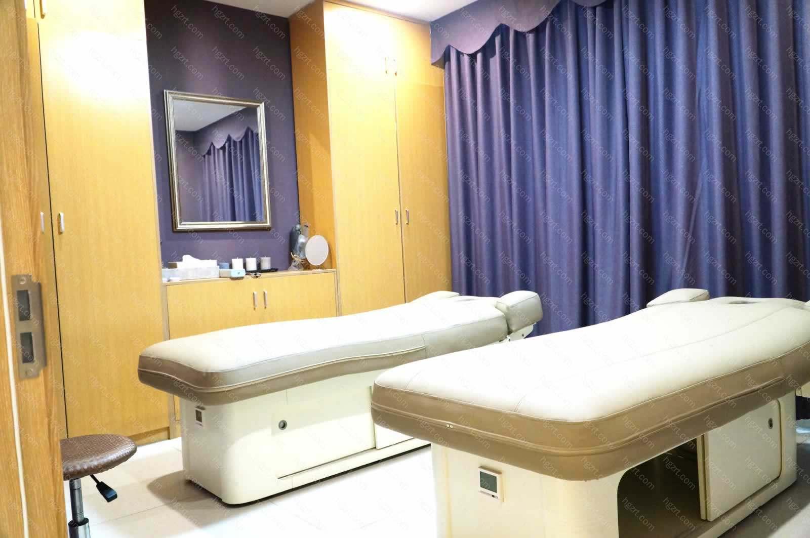 同时提供医学检验科、医学影像科(X线诊断、超声诊断、心电诊断)和药房服务