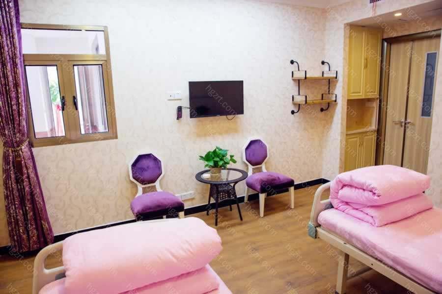 【长沙美之峰医疗美容医院】自体脂肪隆胸:15740-30000元;