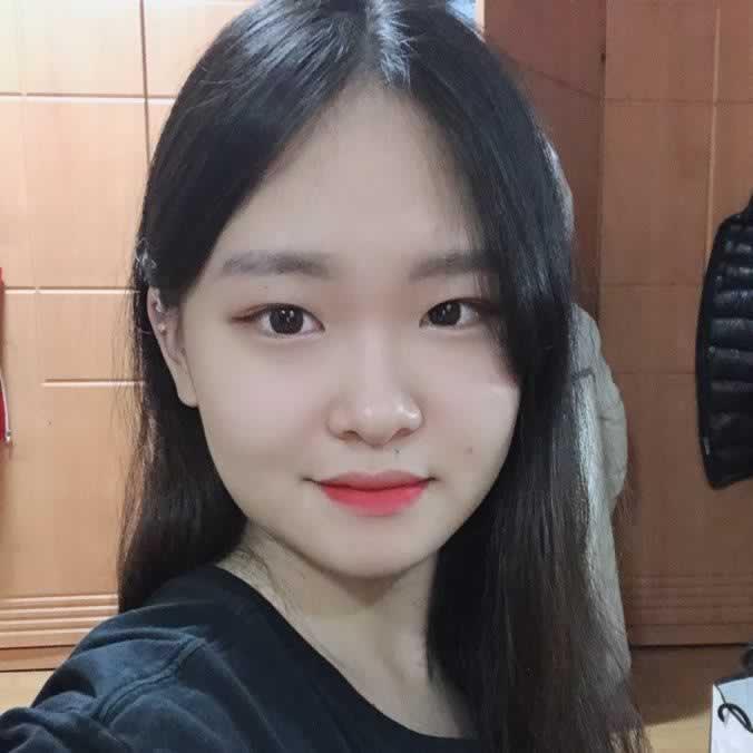 在韩国做完双眼皮修复手术之后,让我更加的自信了。