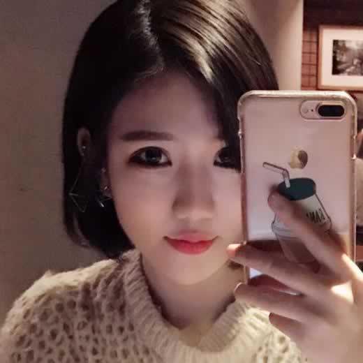 韩国做的尿酸隆鼻,我十分满意现在的样子。