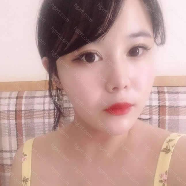 不过韩国女生可能还是比较喜欢有亲和力的形象