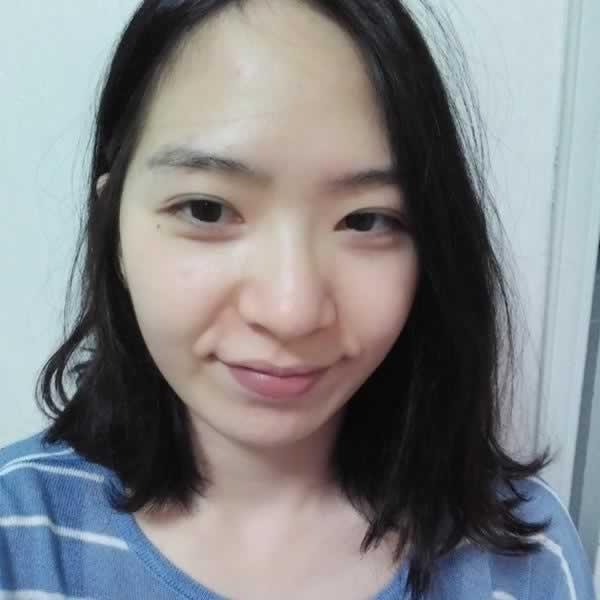 去韩国做了鼻综合手术对我的颜值真的是超级大的提升。我一点都不后悔。