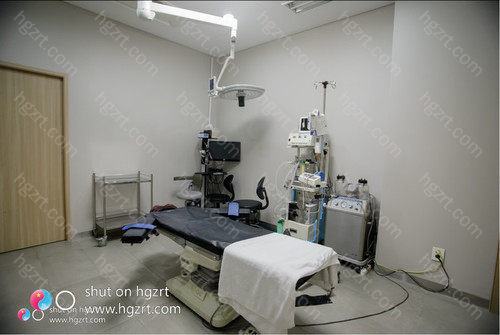 韩国摩兹整形外科医院也是全面发展的整形外科,拥有皮肤科、整形外科和运动中心构成的抗衰老诊疗中心。