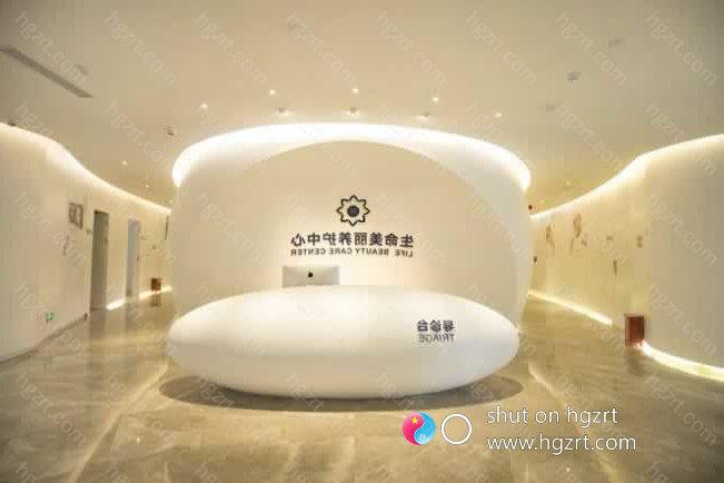韩国JK整形美容医院创立于一九九八年,由日本颌面整形医师朱权建立。创院13年来,共开展超出五万例之上的手术治疗,