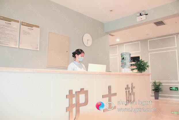 金华令颜医疗作为专业可靠的正规医疗整形美容机构,金华令颜整形院内有美容外科、皮肤美容科、瘢痕修复中心等主要课。
