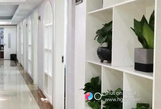 漳州维多利亚医疗美容医院拥有先进的设备仪器,定期与厂家机构和医生进行交流,让广大求美者放心、安心。