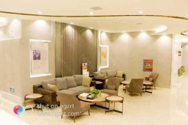 长沙鹏爱整形医院成立多年以来,凭借着精湛的医疗美容技术,和现代化的审美形象设计,让广大求美者都满意而归,医院不仅在当地,还在行业内有着较好的口碑和地位。