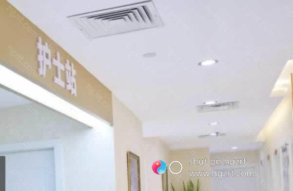 厦门福华医疗美容诊所是一家综合性的医疗美容诊所,医院在厦门市思明区鹜江道2号11楼1108室(妇幼保健院旁),院内有各有所长的专业医师。