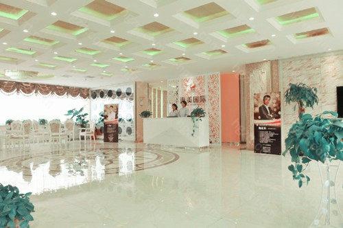 郑州惠美医疗美容门诊部是一家以顾客安全为主,一切专为爱美人士量身定制,并且服务一流的高品质整形机构,为大家提供全面的整形技术。