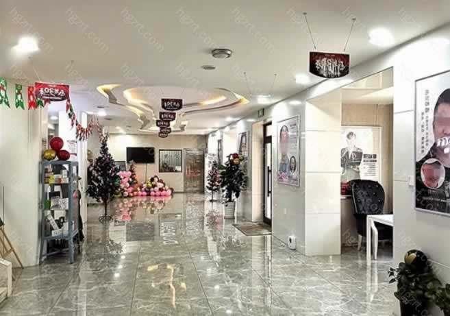 医院因其强大的影响力拥有很多有名的医生坐诊,比如说:孟庆鹏、王晓波、李风浩、付唯豫、吕远东等实力医生为美珊整形保驾护航。