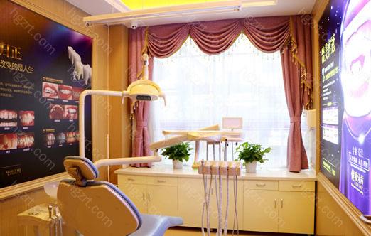 上海欧莱美医疗美容医院投入巨资从美国、瑞士、德国等国引进先进的医疗美容设备。继承了韩国精细整形外科的正统观念,吸收了各国先进的医学美容技术,并组建了一支来自欧莱美的医学美容专业队伍。