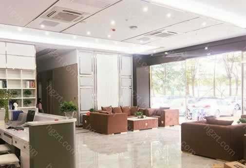 惠州汇美华鑫整形为广大爱美者提供正规,诚实,可靠,科学的医美服务,开设有美容皮肤科,牙科美容,美容外科,整形外科,健康管理,抗衰老研究等20多个临床科室和辅助科室。