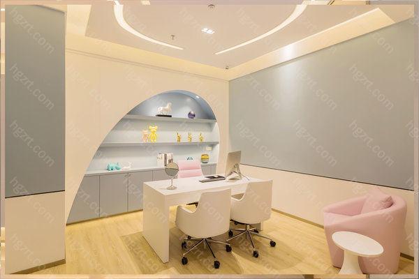 上海美希卓馨环境舒适,温馨,美的空间, 舒适的休息环境, 这一切只为让您有舒适的身心享受。医院开设眼部整形、鼻部整形、自体脂肪填充、胸部整形等等手术项目。