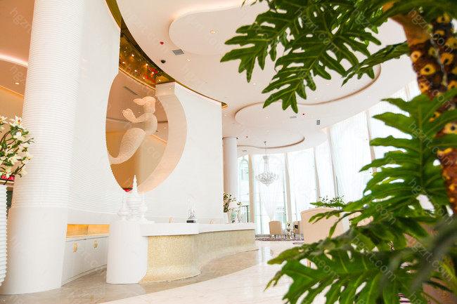 北京美莱医疗美容医院荣获5A级医疗美容机构称号,证明北京美莱在临床方式等方面的实力是强大的,得到了权威部门的认可和广泛的顾客的信任。而且美莱依靠自己的实力和丰富的临床经验,成为北京大学医疗美容教学基地。