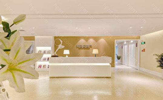 郑州美莱医疗美容医院拥有高品质的同时注重效果,有资质、有背景、有经验,让患者得到更好的服务。