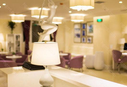 郑州美莱医疗美容医院巧于设计、精于细节、勤于术后,是您值得托付的医疗美容医院,美莱让您变得更美。