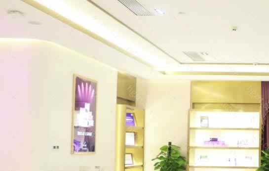 南京美莱整形医疗美容门诊部规模宏大,院内有众多骨干级别医生,经过多年的沉淀与积累,满足了广大求美者对个性的美的追求,南京美莱整形医疗美容门诊部连锁品牌,品质的守护者。