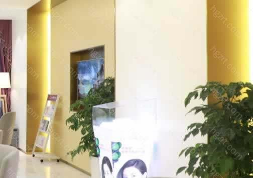 南京美莱整形医疗美容门诊部秉承顾客为首的理念,对每位顾客真诚服务,由于每位顾客的情况不一样,同时人与人之间的体质也存在一定的差异性,都需要面诊后确定方案。