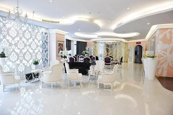 广州美莱医疗美容还斥巨资引进了先进的手术设备,还配置了百级层无菌手术室,为的就是让每个顾客都可以安全放心的进行手术。