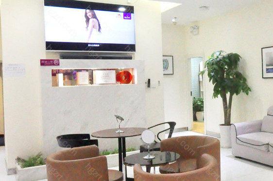 云南华美美莱美容医院的具体流程到院登记、咨询沟通、个性设计、私人空间、术后服务等。
