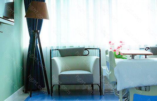 云南华美美莱美容医院拥有先进的设计理念,三维评估、六D塑美、六项美学评估为基准,打造更加自然的效果。