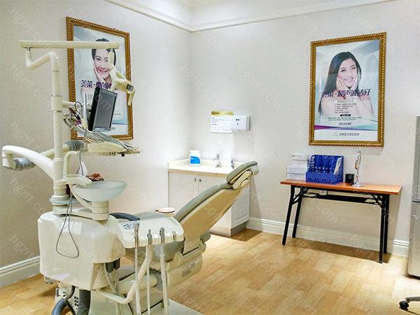 """贵阳美莱医疗美容医院的医生都有擅长绝技,贵院挑选医师的规范是""""精""""而不是""""广"""",全身上下都是会做的医师并不是好医生,""""术有专攻"""",她们要的是在本身某一行业作出杰出贡献的医师和医生。"""