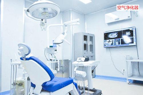 劲松口腔医院和中诺口腔医院的重点科室都是口腔种植科