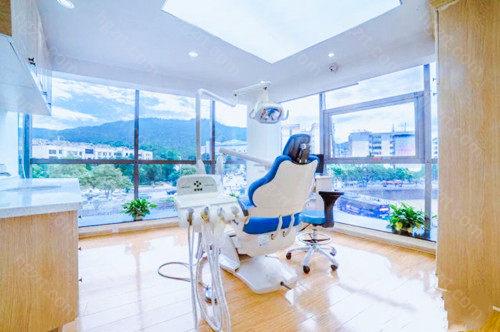 综上,关于哈尔滨正畸医生推荐暂且分享到这里,想想你对哈尔滨哪家医院的哪位正畸医生牙齿矫正技术好有所了解了吧?更详细的问题也可以咋询问我哦。