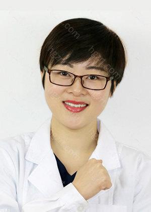 在儿童及青少年早期矫正、复杂的错颌畸形矫正以及隐形矫正中都有非常丰富的临床经验